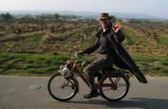 LINCOLN SILIAKUS riding Solex